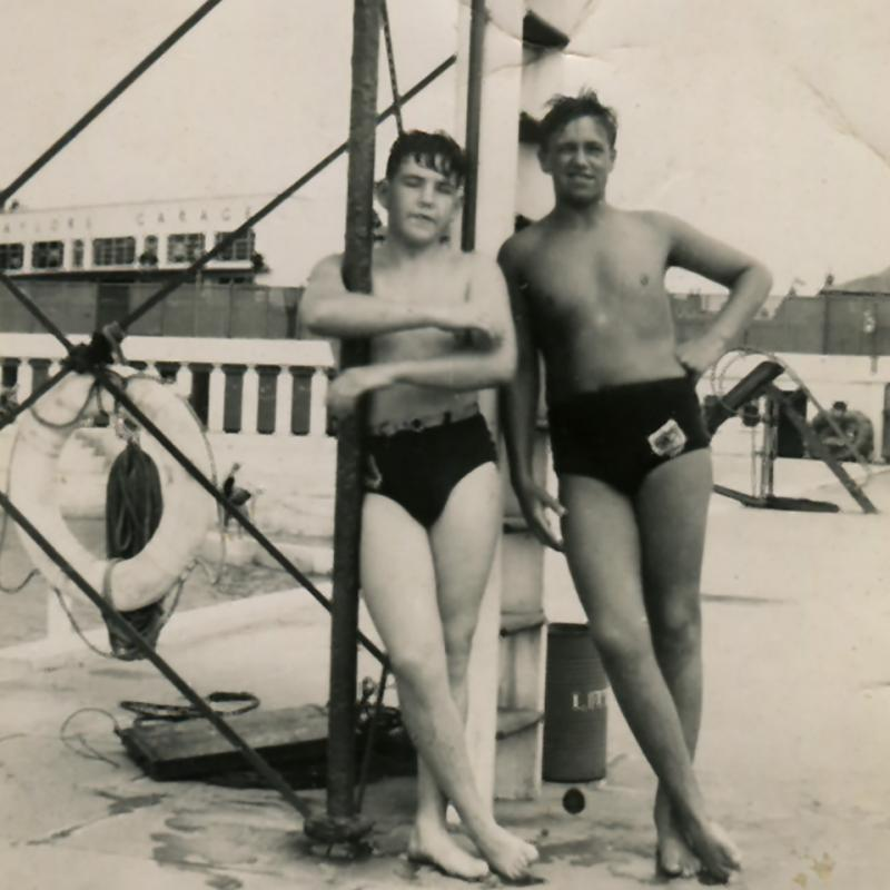 Robbie Murley and Alvin Williams by diving board