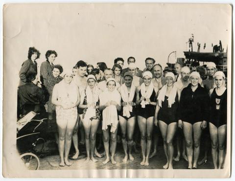 Start of the long distance swim