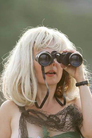 Live art at the pool - binoculars