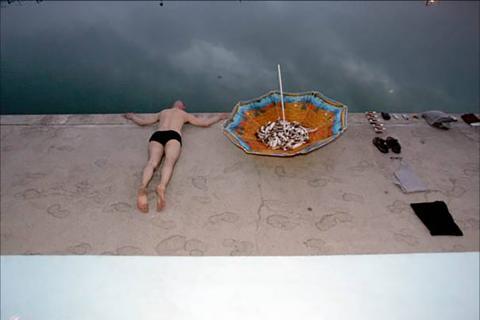 Live art at the pool - umbrella 2