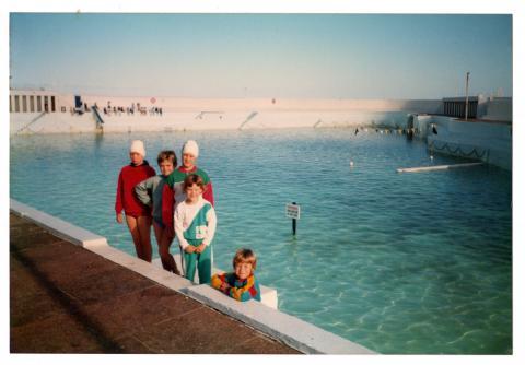 Hannah May and family members circa 1988