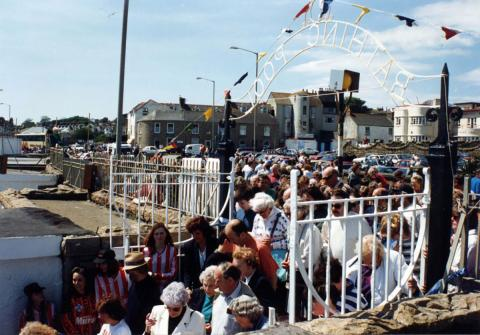 Crowds surge in for 'Grand Re-opening' of 1994